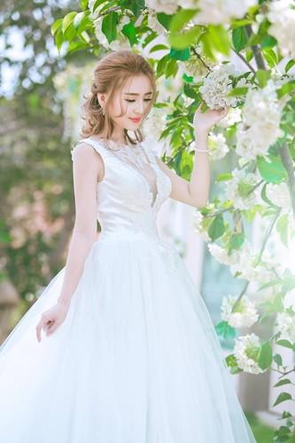 Hoa khoi cong so, Anna Trang Huynh xinh dep van nguoi me-Hinh-8