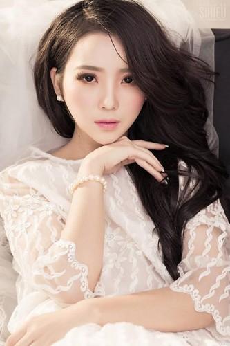 Hoa khoi cong so, Anna Trang Huynh xinh dep van nguoi me
