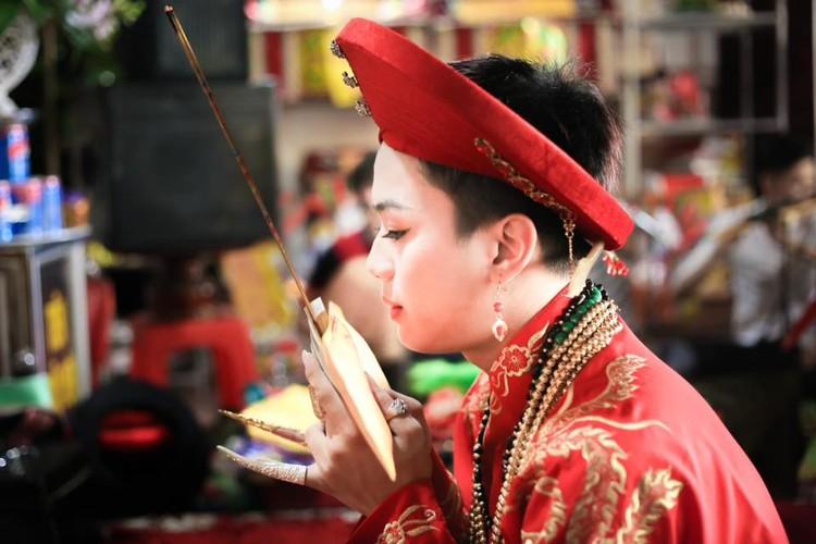 Khoanh khac cau dong Thanh Hoa giong con gai den ngo ngang-Hinh-2