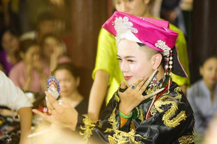 Khoanh khac cau dong Thanh Hoa giong con gai den ngo ngang-Hinh-5
