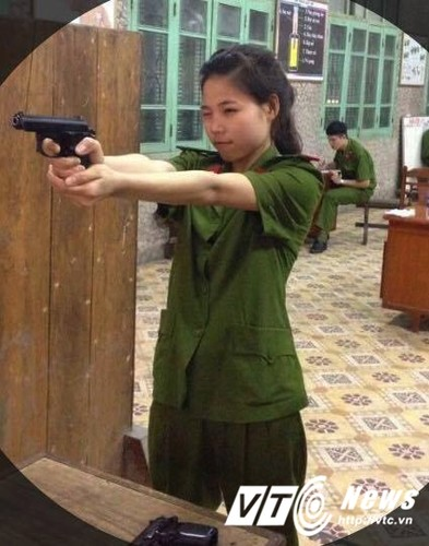 Tai sac nhung nu sinh canh sat duoc thang ham vuot cap-Hinh-4