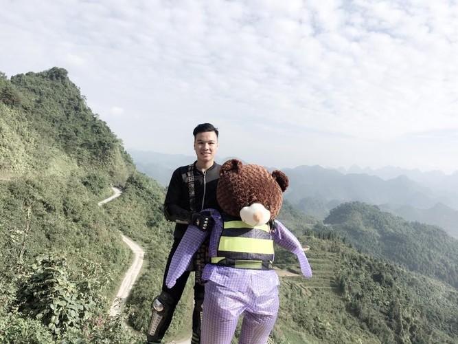 Chang trai 9X deo gau bong to hon nguoi phuot Ha Giang-Hinh-5