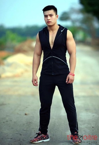 Hot boy canh sat co body 6 mui day nam tinh-Hinh-5
