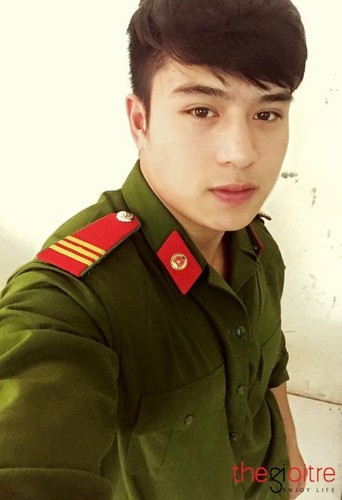 Hot boy canh sat co body 6 mui day nam tinh-Hinh-6