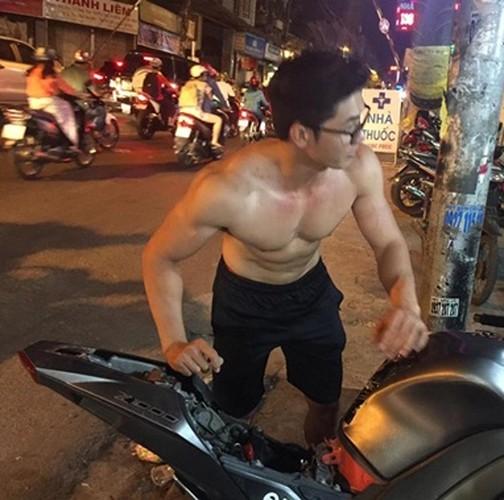 Anh doi thuong cua hot boy dat xe bi chup len tren pho-Hinh-2