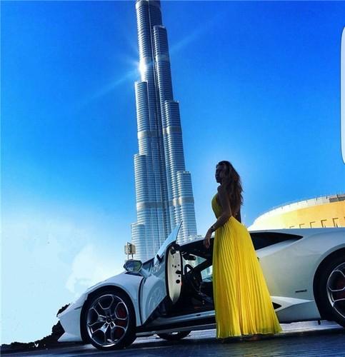 "Hoi con nha giau Dubai choi ngong khien dan tinh ""phat choang"""