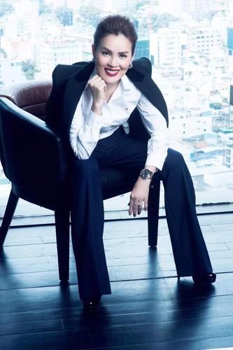 """Anh nu CEO giau co """"rua chan cho chong"""" gay sot dip 8/3-Hinh-2"""