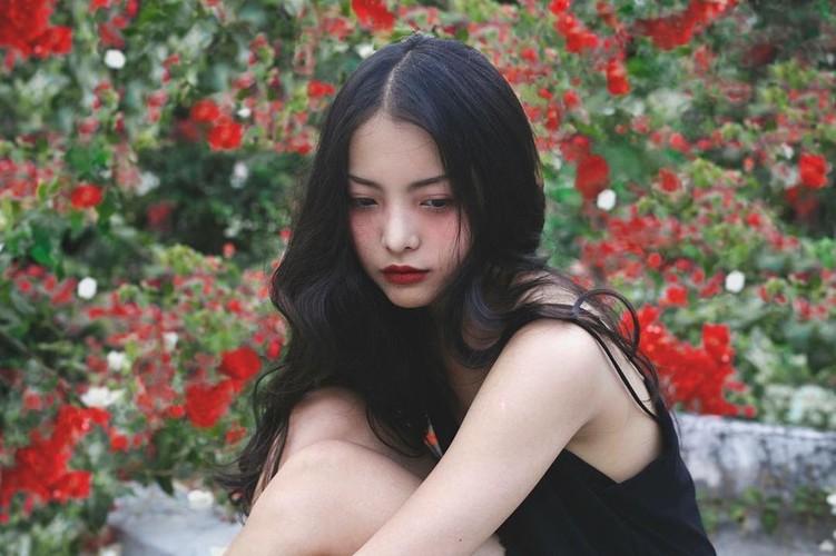 Ban gai xinh dep cua Chi Dan trong MV