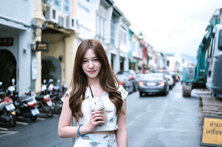 Bac si nha khoa noi tieng vi xinh nhu hot girl-Hinh-4