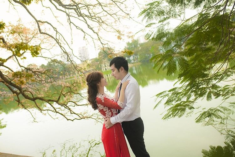 Cap doi Ninh Binh me phuot ru nhau chup anh cuoi xuyen Viet-Hinh-13