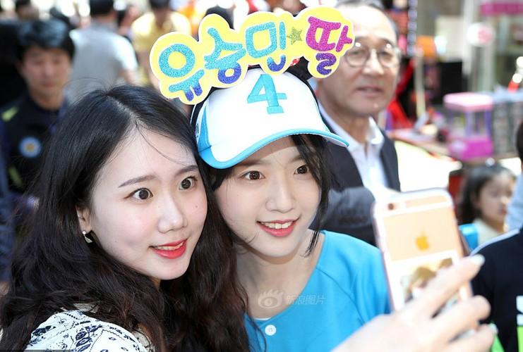 Con gai cua ung vien tong thong Han Quoc cuc hut fan-Hinh-5