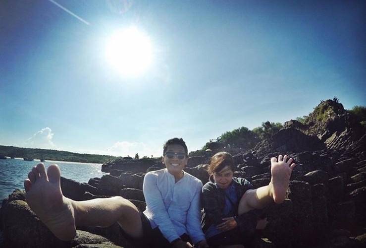 "Hoc lom cach selfie cua hot girl de co anh di bien ""chat""-Hinh-13"
