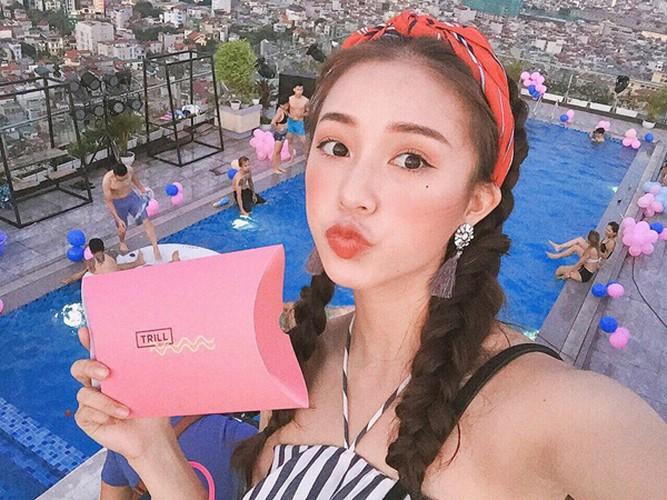 "Hoc lom cach selfie cua hot girl de co anh di bien ""chat""-Hinh-14"