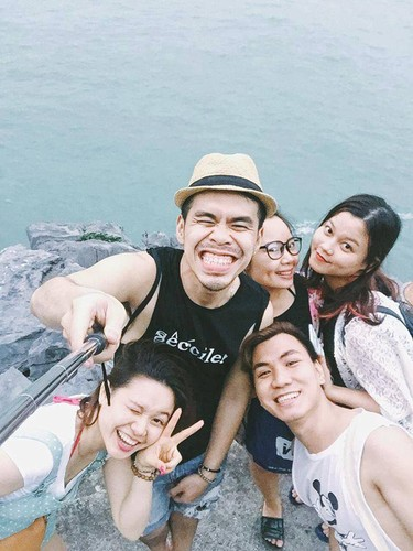 "Hoc lom cach selfie cua hot girl de co anh di bien ""chat""-Hinh-15"