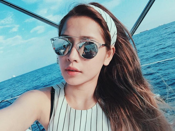 "Hoc lom cach selfie cua hot girl de co anh di bien ""chat""-Hinh-5"