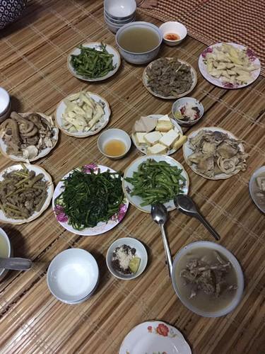 "Khoe mam com ""xoang"" gia 450 nghin, me tre bi che ""chem gio""-Hinh-2"