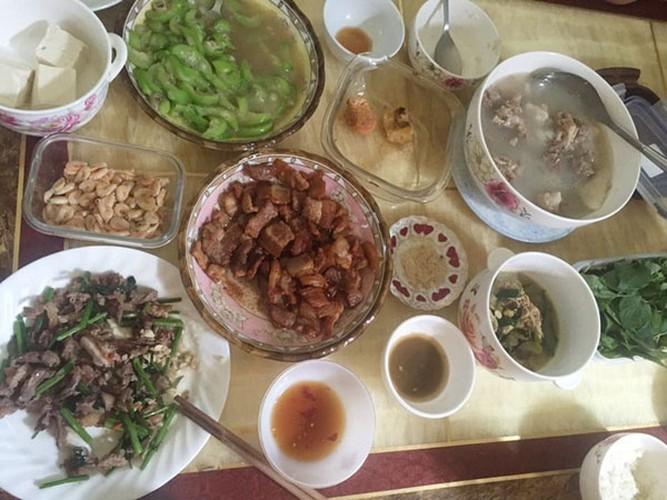 "Khoe mam com ""xoang"" gia 450 nghin, me tre bi che ""chem gio""-Hinh-3"