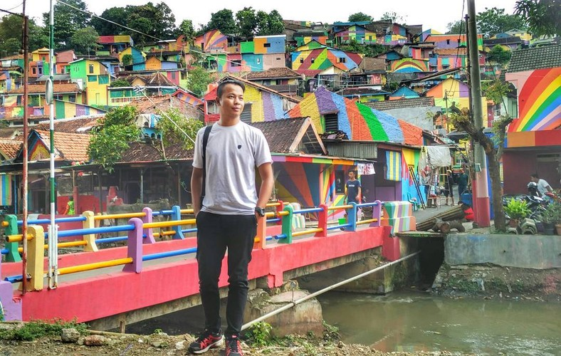 "Ngoi lang Cau Vong lam mua lam gio voi dan ""song ao"" Indonesia-Hinh-8"