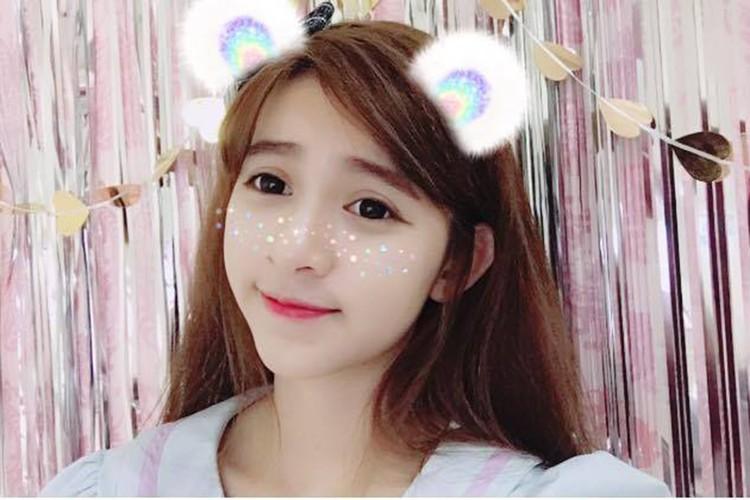 Nu sinh Su pham xinh dep thuong bi nham la con lai-Hinh-3