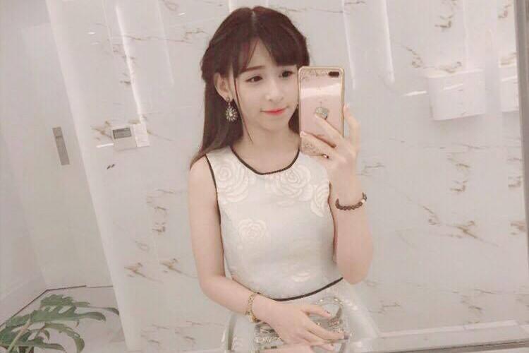 Nu sinh Su pham xinh dep thuong bi nham la con lai-Hinh-6