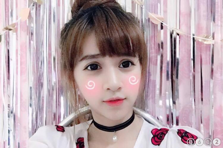 Nu sinh Su pham xinh dep thuong bi nham la con lai-Hinh-7