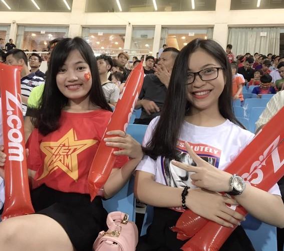 "Trong Dai, Quang Hai U20 Viet Nam khoe ""bo"" xinh nhu hot girl-Hinh-10"
