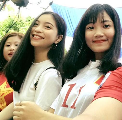 "Trong Dai, Quang Hai U20 Viet Nam khoe ""bo"" xinh nhu hot girl-Hinh-11"