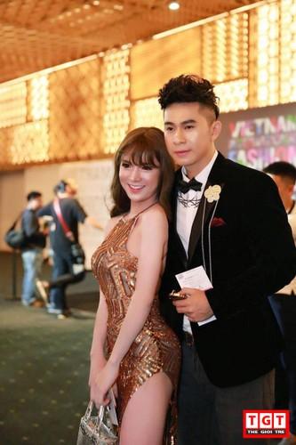 2 hot girl chuyen gioi xinh dep moi noi gay sot mang Viet-Hinh-2