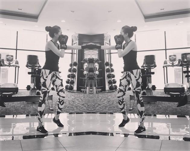 Co gai thoi tiet Mai Ngoc khoe hinh tap gym muot mat-Hinh-5