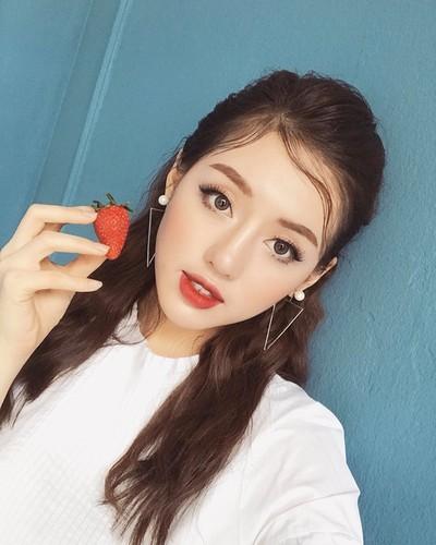 "Hot girl The Face duoc vi nhu ""sinh doi voi Tam Tit""-Hinh-3"