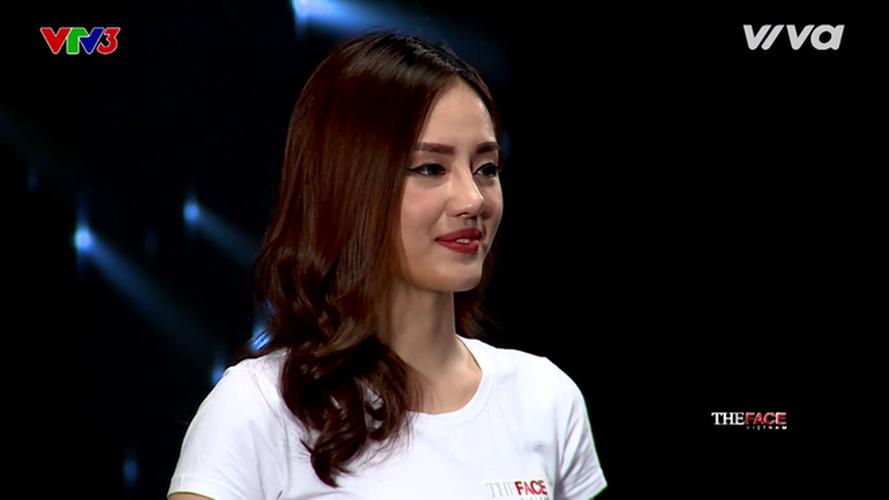 "Hot girl The Face duoc vi nhu ""sinh doi voi Tam Tit"""