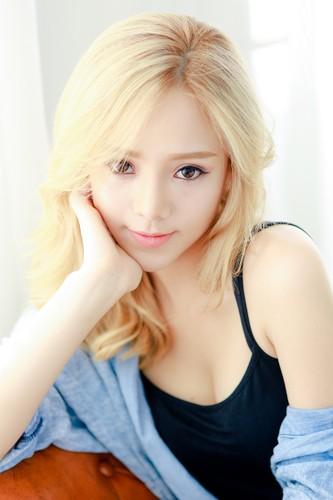 Hot girl Quynh Kool xinh dep, la lam voi mai toc vang-Hinh-6