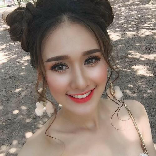 """Nu sinh Viet tung duoc dan mang TQ """"san lung"""" la ai?-Hinh-12"""