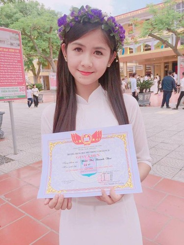 Nhung nu thi sinh noi tieng trong ky thi THPT Quoc gia 2017-Hinh-2
