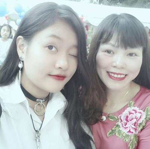 Chan dung nu sinh cong ban vao phong thi duoc khen ngoi-Hinh-3