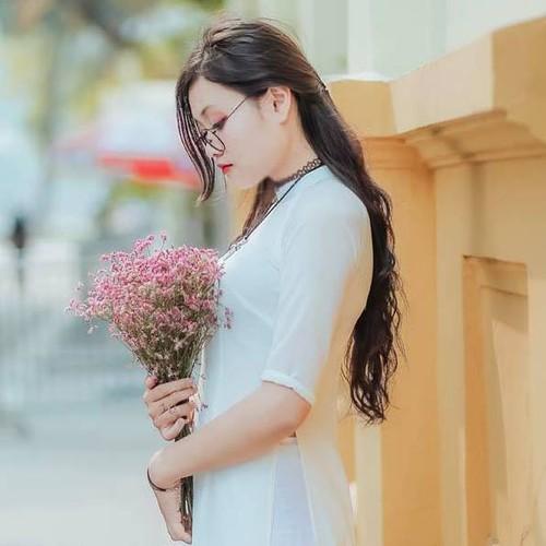 Chan dung nu sinh cong ban vao phong thi duoc khen ngoi-Hinh-6