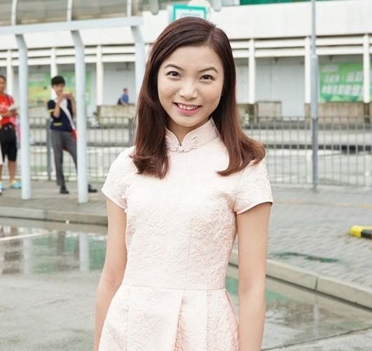 Nhan sac kho do cua thi sinh hoa hau xu cang thom-Hinh-2