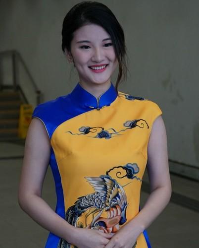 Nhan sac kho do cua thi sinh hoa hau xu cang thom-Hinh-8