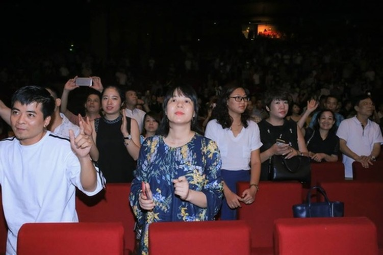 MC Lai Van Sam lan dau xuat hien khac la sau khi roi VTV-Hinh-3
