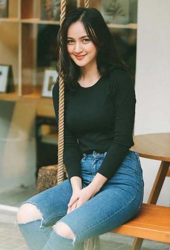 """Dan hot girl 10X noi tieng nay dang """"gay bao"""" mang-Hinh-4"""