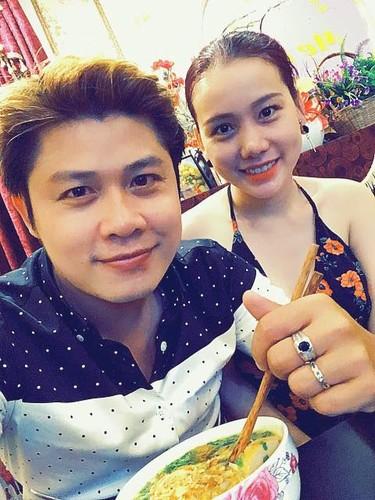 Cach NS Nguyen Van Chung chieu vo xinh dep co 1-0-2