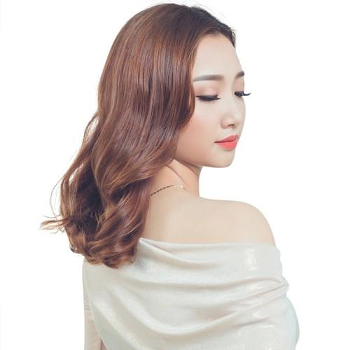 """Ngam nguoi dep """"khong yeu dai gia"""" thi Hoa hau Hoan vu 2017"""