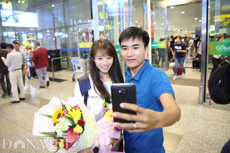 Co gai vang Duong Thuy Vi rang ro trong ngay tro ve-Hinh-10