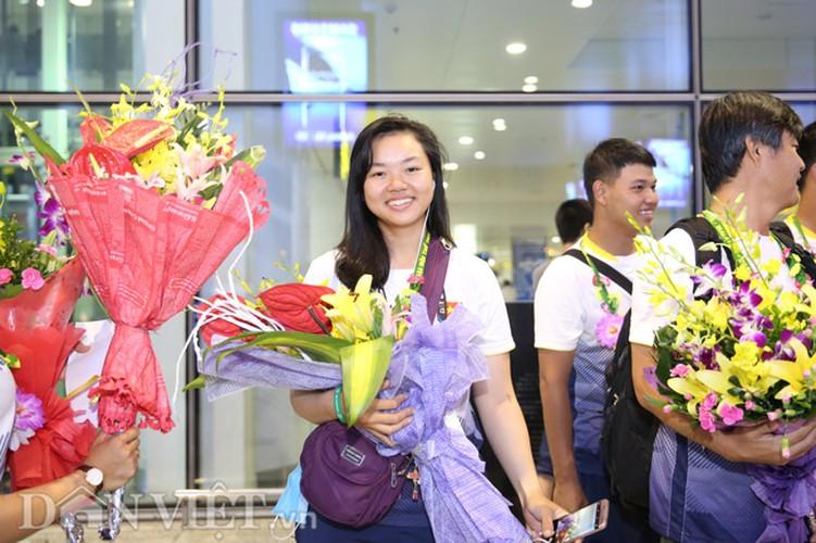 Co gai vang Duong Thuy Vi rang ro trong ngay tro ve-Hinh-11