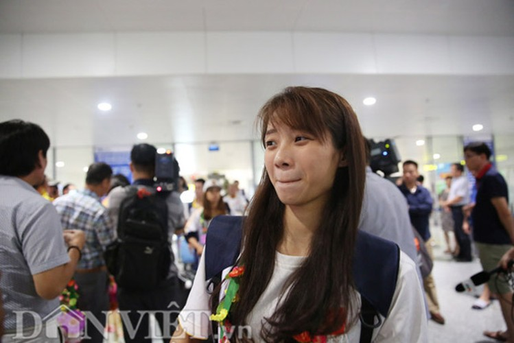 Co gai vang Duong Thuy Vi rang ro trong ngay tro ve-Hinh-4