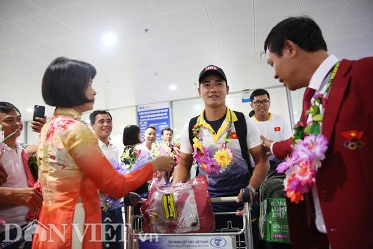 Co gai vang Duong Thuy Vi rang ro trong ngay tro ve-Hinh-6