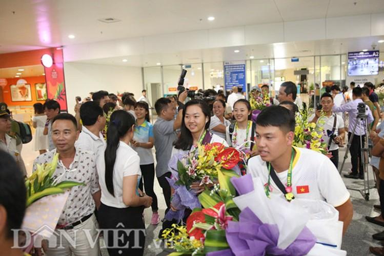 Co gai vang Duong Thuy Vi rang ro trong ngay tro ve-Hinh-8