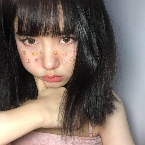 Nu sinh 18 tuoi thuong bi nham la con gai Nhat-Hinh-3