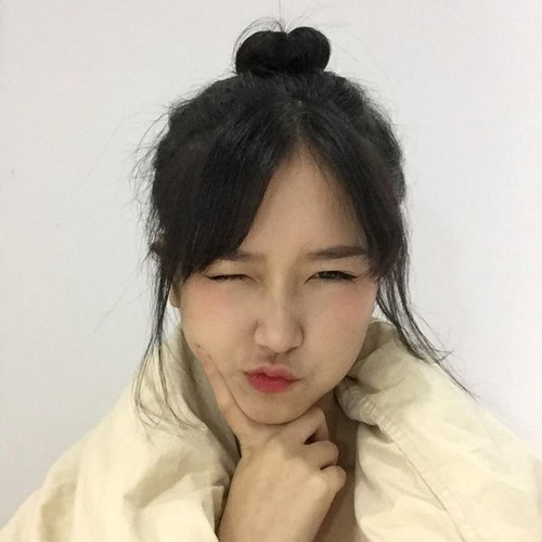 Nu sinh 18 tuoi thuong bi nham la con gai Nhat-Hinh-6