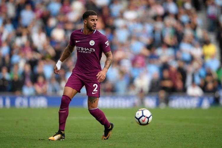 Top 10 cau thu chay nhanh nhat Premier League 2017-2018-Hinh-4